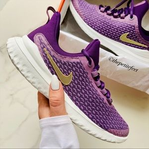 NWT Nike renew rival running shoes